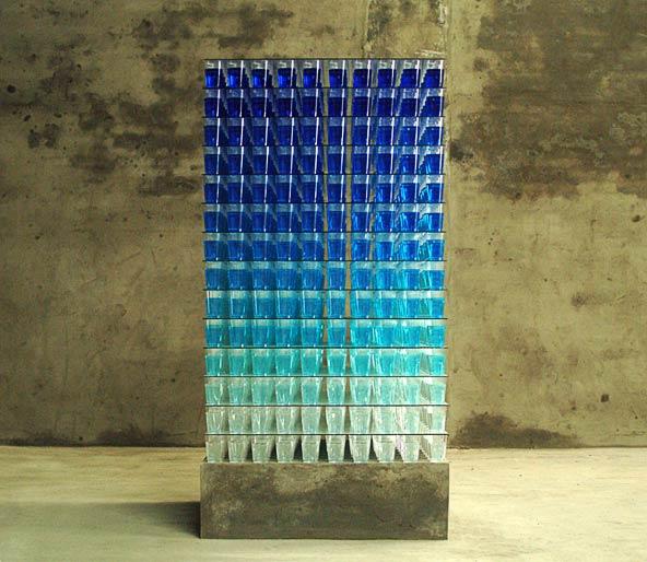 almost transparent blue (2006)