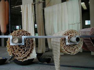 Trockenraum 2 - 2007 - Latex, Metall , Seile - Masse ca. 12 m x 5 m x 8 m - Installationsaufbau 2007 - Wolfgang Stiller