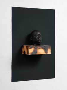 remembrance 2016 -ongoing, Bronze,Holz Farbe, 140 x 90 x 23 cm - Wolfgang Stiller